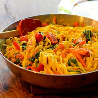 Pasta and Vegetables in a Curry Sauce