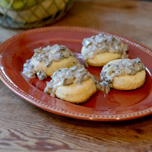 Biscuits with Mushroom Gravy #Biscuits #Southernfood #mushrooms | feedyoursoul2.com