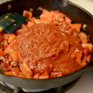 Tomato sauce added 500