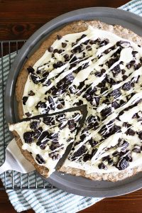 Cookies & Creme Dessert Pizza