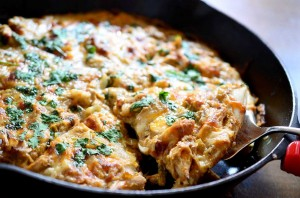 verde-chicken-enchilada-pizza-1200x795