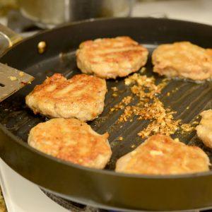 Burgers in pan 500