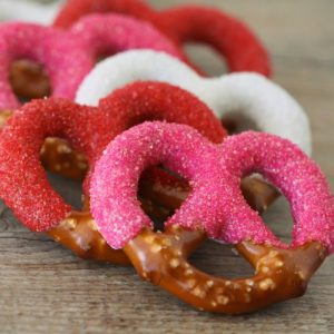 How-To-Make-Chocolate-Covered-Pretzels-0310-500x499
