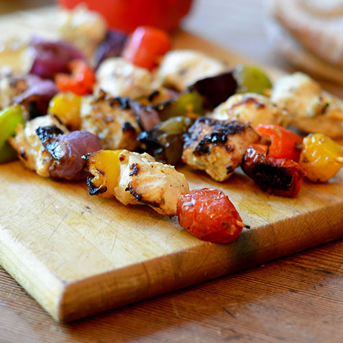 Greek Chicken Kabobs, greek, chicken, spices, fat-free, yogurt, marinade, grilling