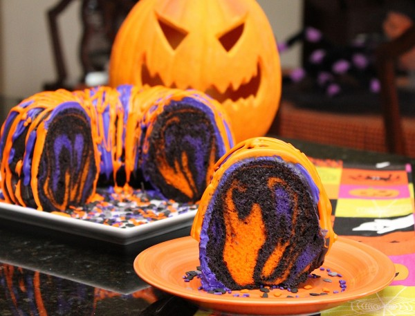 Halloween_Rainbow_Party_Cake_Halloween_Food