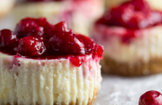 cranberry-sauce-cheesecakes-9