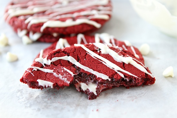 red-velvet-cheesecake-cookies