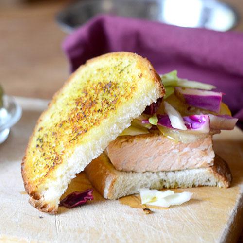 Salmon Pesto Sandwich / www.feedyoursoul2.com
