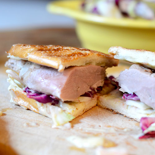 Duck Sandwich with Mustard Aioli / www.feedyoursoul2.com