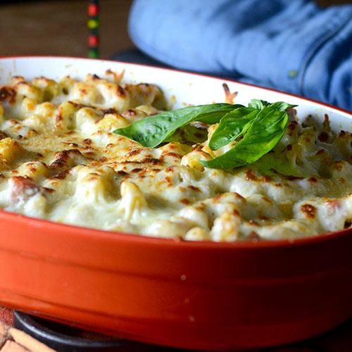 Pasta Pesto Bake/www.feedyoursoul2.com