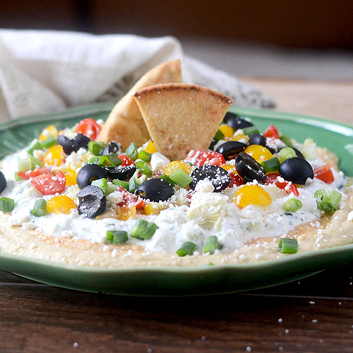 Greek 7 Layer Dip #appetizer #greekfood #layerdip | feedyoursoul2.com