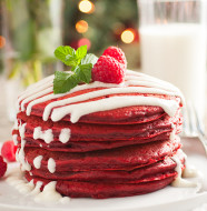 red-velvet-pancakes-edit3-srgb