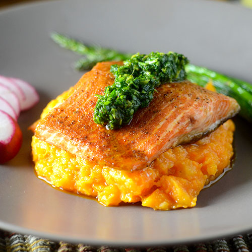 Chili Infused Salmon #seafood #dinner #chili | feedyoursoul2.com