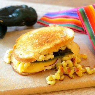 Jalapeno Mac N Cheese Sandwich