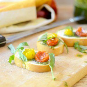 Tomato Pesto Crostini