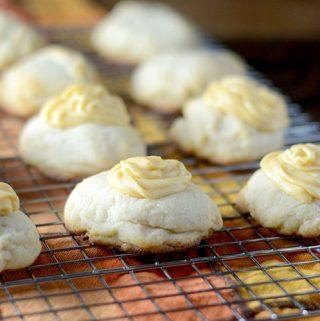 Pumpkin Frosted Butter Cookies