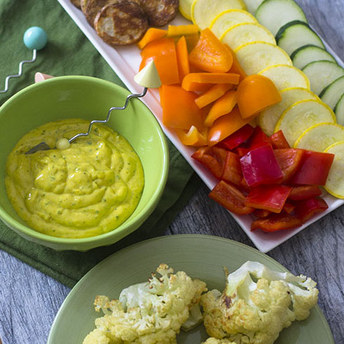 Yellow Curry Yogurt Dip