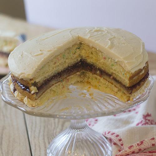Funfetti Layer Cake #layercake #funfetti #jelly | feedyoursoul2.com