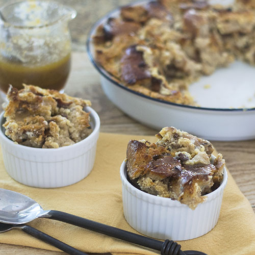 Cinnamon Raisin BAGEL Bread Pudding #dessert #promotion #bagels | feedyoursoul2.com