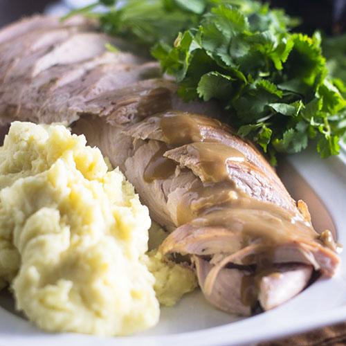 Roast Turkey with Stout Gravy #turkey #gravy #stout | feedyoursoul2.com