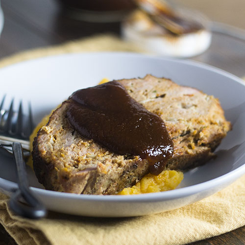 Mexican Smoked Meatloaf #Mexicanfood #comfortfood #groundturkey | feedyoursoul2.com