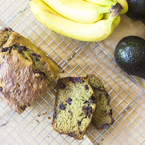 Avocado Banana Bread #avocados #bananas #dessert | feedyoursoul2.com