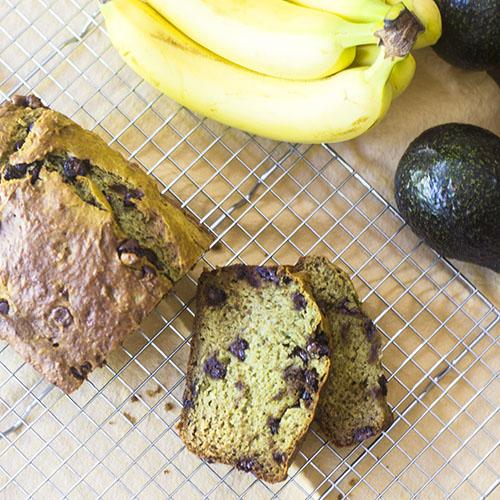 Avocado Banana Bread #avocados #bananas #dessert | feedyoursoul2.com