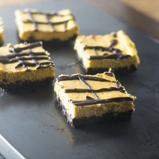 Oreo Pumpkin Layer Bars