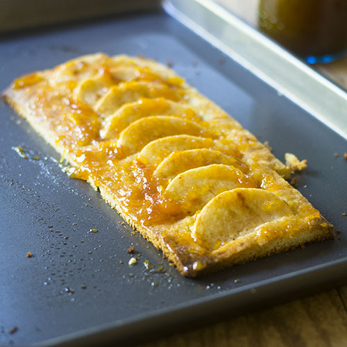 Easy Apple Tart Recipe #dessert #tart #apples | feedyoursoul2.com