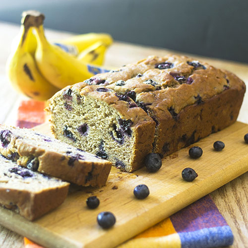 Vegan Blueberry Banana Bread #dessert #bananas #vegan | feedyoursoul2.com""