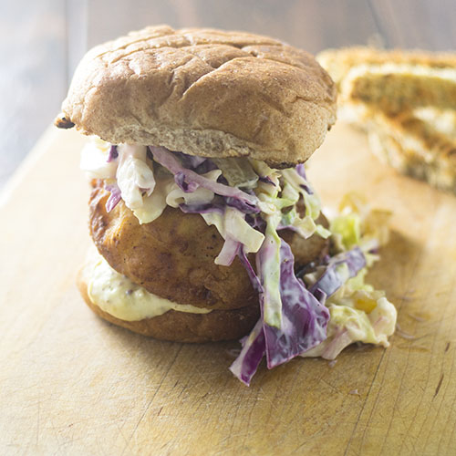 Southern Fried Chicken Sandwich #Sandwich #friedchicken #Southerncooking | feedyoursoul2.com