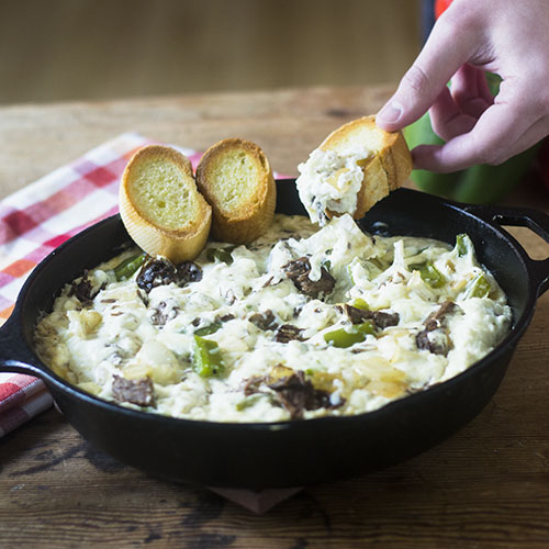 Philly Cheesesteak Dip #appetizer #cheese #pressurecooker #beef | feedyoursoul2.com