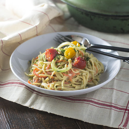 Vegan Gluten Free Spaghetti Alfredo #vegan #glutenfree #pasta #alfredo | feedyoursoul2.com