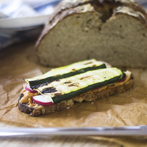 Grilled Zucchini Hummus Gluten Free Sandwich #vegan #glutenfree #sandwich #zucchini | feedyoursoul2.com