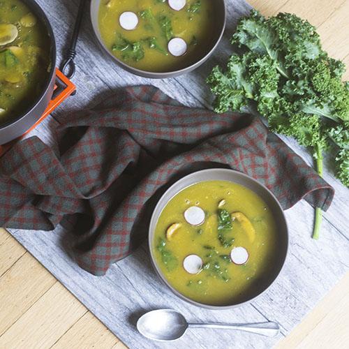 Vegan Acorn Squash Kale Soup #vegan #glutenfree #soup #acornsquash | feedyoursoul2.com
