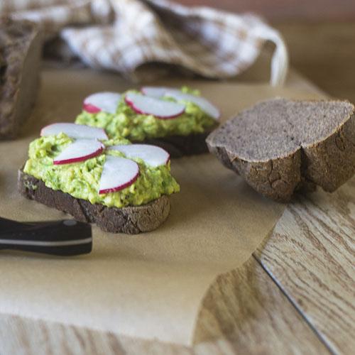 Gluten Free Artisan Rye Bread #bread #rye #glutenfree | feedyoursoul2.com