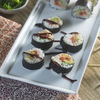 Spicy Salmon Maki Rolls