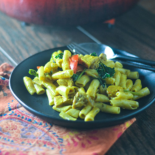 Yellow Curry Chicken Pasta #pasta #glutenfree #Indianfood #chicken | feedyoursoul2.com