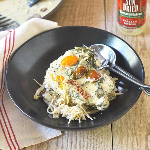 Creamy Sun Dried Tomato Tuscan Chicken #chicken #glutenfree #creamsauce #Italianfood | feedyoursoul2.com