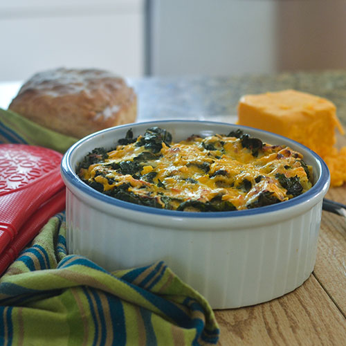 Gluten Free Kale & Cheddar Cheese Strata #brunch #breakfast #eggs #glutenfree | feedyoursoul2.com