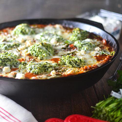 Gluten Free Skillet Pesto Lasagna #Italianfood #lasagna #glutenfree #pesto | feedyoursoul2.com