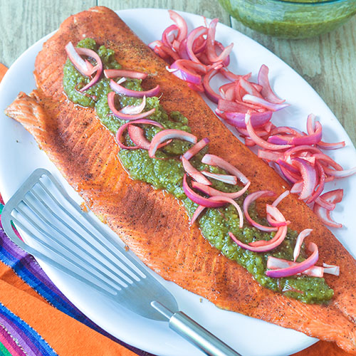 Smoked Salmon Green Chili Salsa #salmon #chilies #smokedfood | feedyoursoul2.com