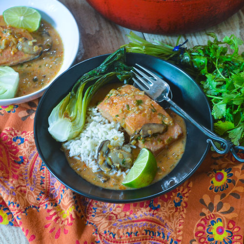 Red Curry Thai Salmon l #Thaifood #salmon #onepotmeal | feedyoursoul2.com