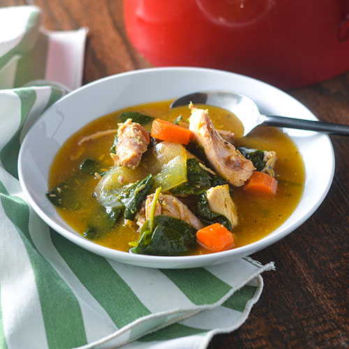 Smoked Chicken & Spinach Soup l #glutenfree #smokedchicken #soup | feedyoursoul2.com