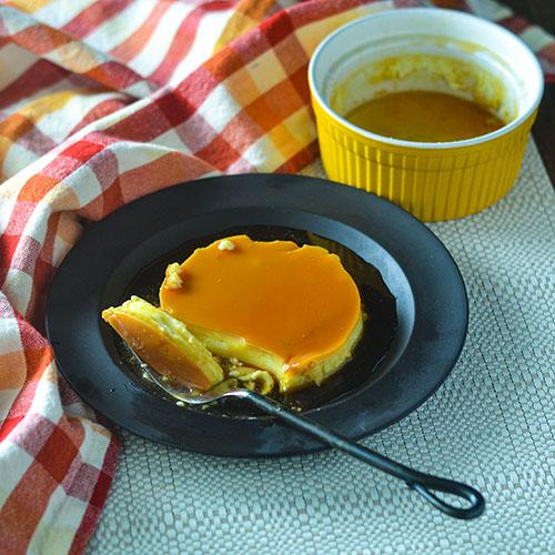 Creamy Caramel Flan l #dessert #caramel #glutenfree | feedyoursoul2.com