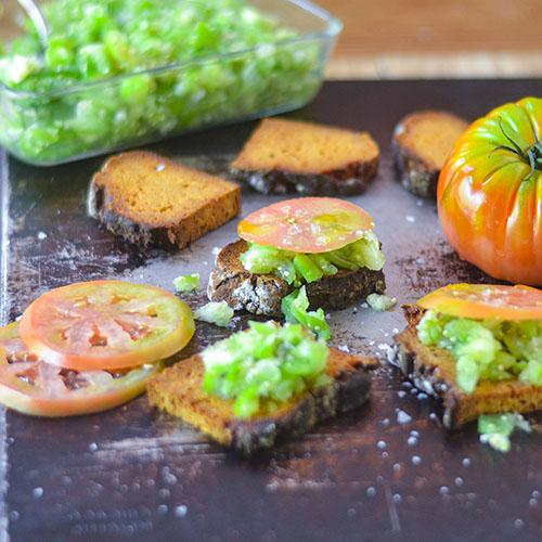 Tomatillo Bruschetta  l #glutenfree #tomatillo #Mexicanrecipe | feedyoursoul2.com