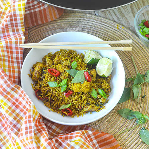 Chicken Curry Fried Rice l #rice #chicken #Indianfood | feedyoursoul2.com
