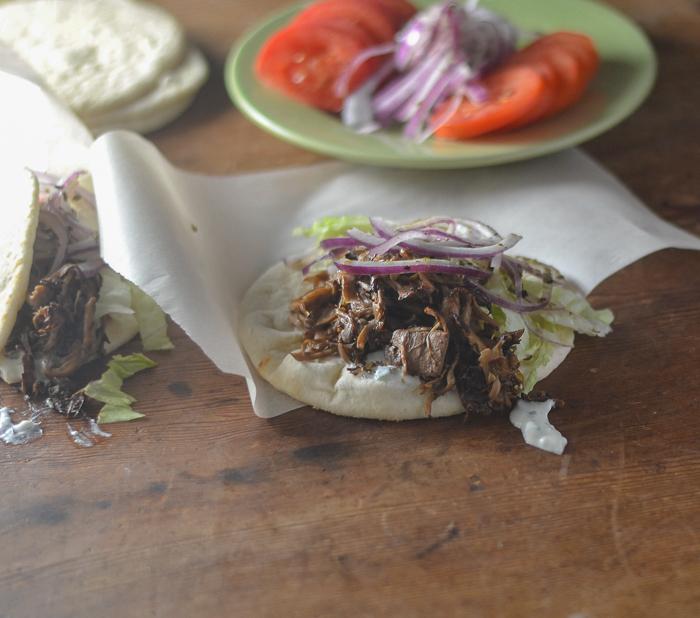 Mushroom & Jackfruit Gyros l #vegan #mushrooms #jackfruit #gyros | feedyoursoul2.com